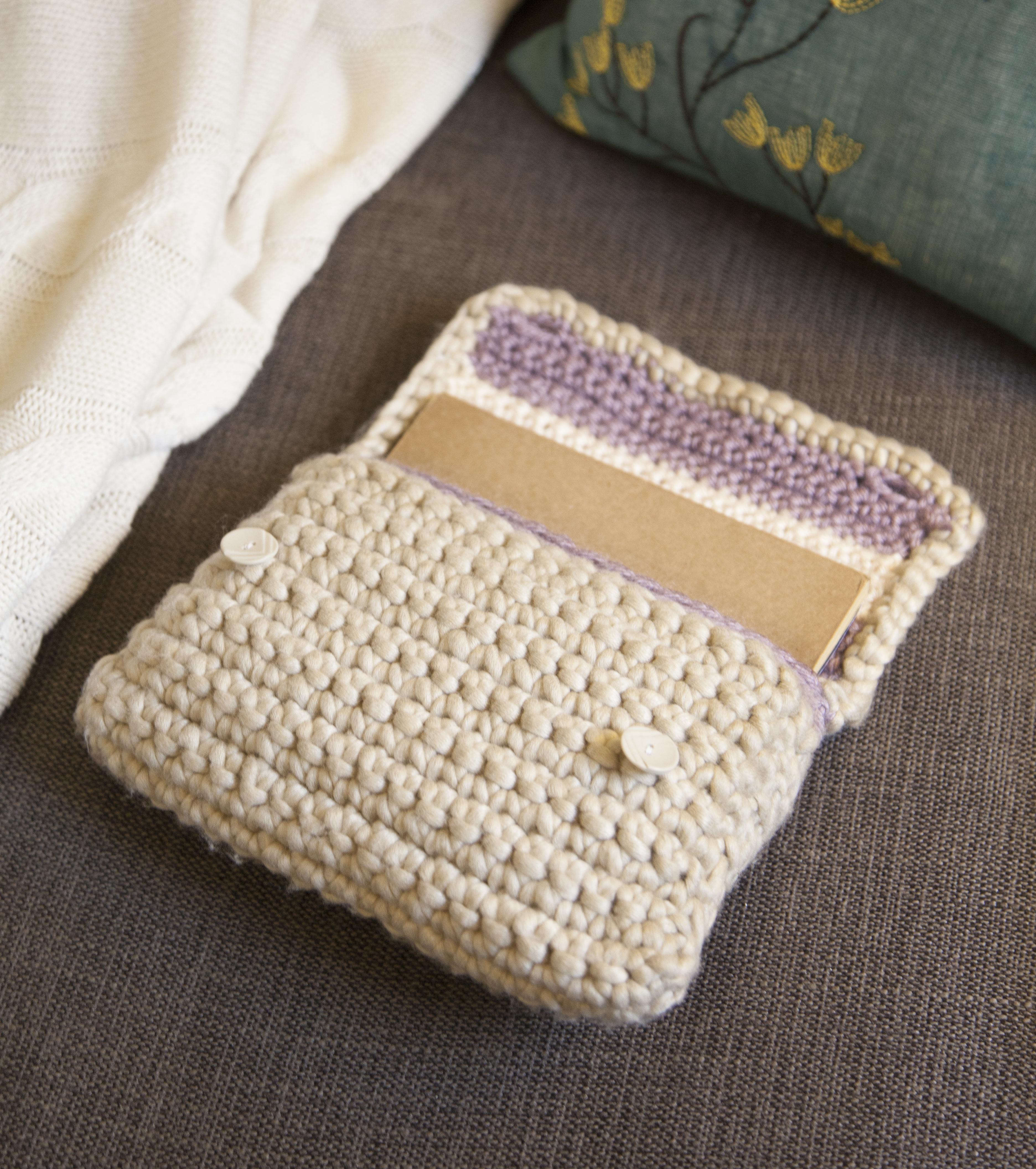 Crocheted Case | grannysquaredontcare